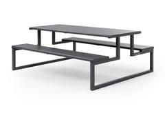 Tavolo per spazi pubblici in metallo con panchine integrateH24 | Tavolo da picnic - URBANTIME