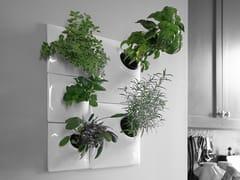 Vaso da parete modulare in gres ceramicoHERB WALL - PANDEMIC DESIGN STUDIO