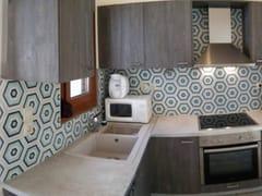 TsourlakisTiles, HEXAGON 104 Pavimento/rivestimento in cemento per interni ed esterni