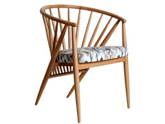 Sedia in legno massello con braccioli con cuscino integrato HLOMA | Sedia in legno massello -