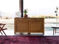 Madia con ante scorrevoli e cassetti in legno masselloHOLAND | Madia - DEVINA NAIS