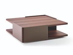 Tavolino in legno con portarivisteHUBERT - MOLTENI & C.