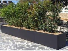 ATELIER SO GREEN, Image'In Trapezoidal Bespoke Planter Fioriera per spazi pubblici in cemento fibrorinforzato