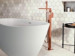 Miscelatore per vasca da terra con doccettaINCANTO | Miscelatore per vasca da terra - GRAFF
