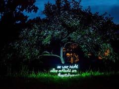 Lettera luminosa da parete al neonIT WASN'T ALL THAT BAD - SYGNS