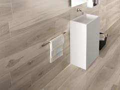 La Fabbrica, KAURI CATLINS Pavimento/rivestimento in gres porcellanato effetto legno