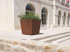 CYRIA, KHÉOPS III | Fioriera per spazi pubblici  Fioriera per spazi pubblici