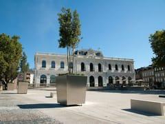 CYRIA, KHÉOPS IV | Fioriera per spazi pubblici  Fioriera per spazi pubblici