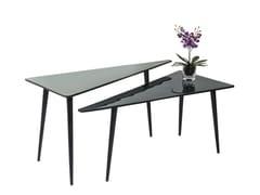 Tavolino da caffè triangolare in alluminio LA COSTA TRIANGLE -
