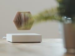 Vaso a levitazione magnetica in legnoLOOMA HOVERBOX + POT – THREE - LOOMA