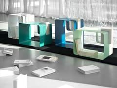 Tavolino portariviste, portalibri e comodino per contractLIBRIS - MEMEDESIGN