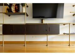 Mobile TV in legno con ante a battenteLIGNE - TRACKDESIGN