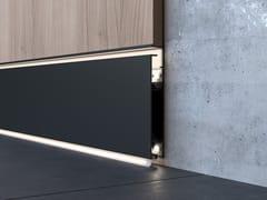 Battiscopa filo muro in alluminio con LED LUCEO BUILT-IN -