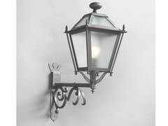 Lampada da parete per esterno a luce indiretta in ferro in stile modernoLUNGARNO | Lampada da parete per esterno in ferro - OFFICINACIANI DI CATERINA CIANI & CO.