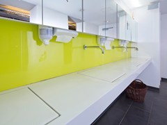 Piano lavabo in Corian®Piano lavabo in Corian® - BAQUA