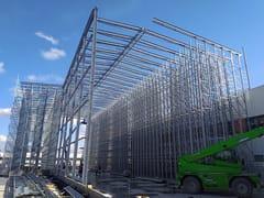 Sistema costruttivo in carpenteria metallicaMAGAZZINI AUTOPORTANTI - SCAFFSYSTEM
