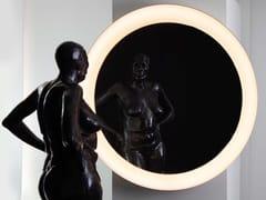 Specchio con illuminazione integrata da pareteMAGNUS - BETEC LICHT
