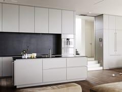 Cucina laccata su misura con isolaMATT LACQUER GREY - EGGERSMANN KÜCHEN