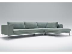 Divano imbottito in tessuto a 4 posti con chaise longue MATTIAS | Divano con chaise longue -