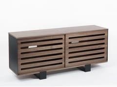 Madia in legno impiallacciato con ante scorrevoliMAYET | Madia - ALEX DE ROUVRAY DESIGN