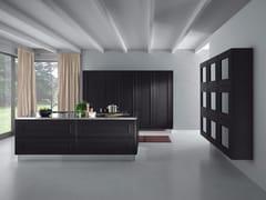 Cucina in legno impiallacciato con isola senza maniglieMELOGRANO M.DUE - COMPOSIT