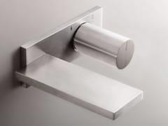 Miscelatore per lavabo a muro in acciaio inox in stile moderno con finitura satinata con piastra MILANO - D113A/E610B - Milano