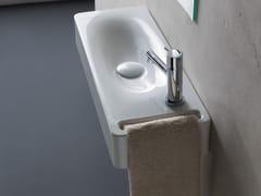 Lavamani in ceramica con porta asciugamaniMINI HUNG | Lavamani rettangolare - SCARABEO CERAMICHE