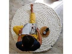 Tappeto fatto a mano rotondo in feltro di lanaMOSHA - PANAPUFA