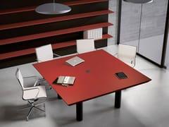 Tavolo da riunione in legno MULTIPLICEO | Tavolo da riunione quadrato - MultipliCeo