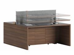 Postazione di lavoro ad altezza regolabile in legno con pannelli divisori con sistema passacaviNANDA - ERSA MOBILYA