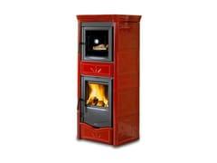 Stufa a legna con rivestimento in maiolica e fornoNICOLETTA FORNO EVO - LA NORDICA