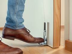 ASSA ABLOY Opening Solutions, NOHANDER Apri porta a pedale in acciaio inox
