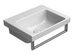 Lavabo rettangolare singolo in ceramica con porta asciugamaniNORM 42X34 | Lavabo - GSI CERAMICA