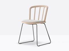 Sedia a slitta in frassino con cuscino integratoNYM 2851 - PEDRALI
