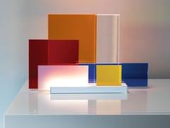 Lampada da tavolo a LED in metacrilatoON LINES - NEMO