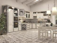 Cucina laccata in frassino con maniglieONELIA - CUCINE LUBE