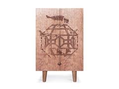 Credenza in legno con ante a battente ORNITHOLOGICAL SKETCH CABINET | Credenza in ciliegio -