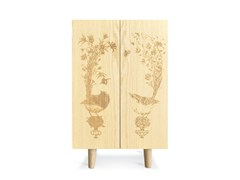 Credenza in frassino con ante a battente ORNITHOLOGICAL SKETCH CABINET | Credenza in frassino -