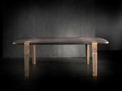Tavolo in legno massello con gambe in ottoneOXYMORON - H-07