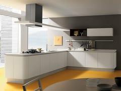 Cucina laccata con penisola PRIMAVERA YOUNG -