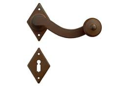 Maniglia in ferro su rosetta con bocchettaPROVENZA | Maniglia - GALBUSERA GIANCARLO & GIORGIO