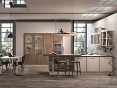 Cucina laccata in legno in stile moderno con penisolaPROVENZA | Cucina con penisola - CUCINE LUBE