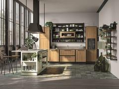 Cucina laccata in legno con isolaPROVENZA | Cucina con isola - CUCINE LUBE