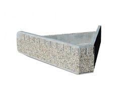 Euroform W, PYRAMID Fioriera per spazi pubblici bassa in cemento