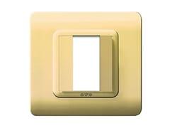 Placca in tecnopolimero lato 88 mmPlacca quadrata 88 TP 44 | Ottone lucido - AVE