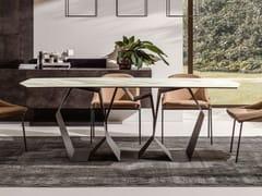 Tavolo da pranzo con base in metalloQUASIMODO - APP DESIGN
