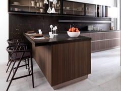 Cucina in legno in stile moderno con maniglie integrate con penisolaR1.60 EUCALYPTUS CANDY - GAMADECOR