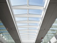 Velux Commercial, RIDGELIGHT WITH BEAM 5° Finestra da tetto in acciaio e vetro