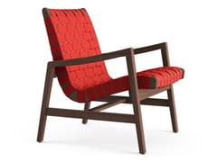Poltroncina in legno con bande di cotone e con braccioliRISOM | Poltroncina con braccioli - KNOLL INTERNATIONAL