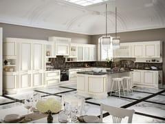 Cucina laccata in legno in stile classico con isola con maniglie ROMANTICA 05 -